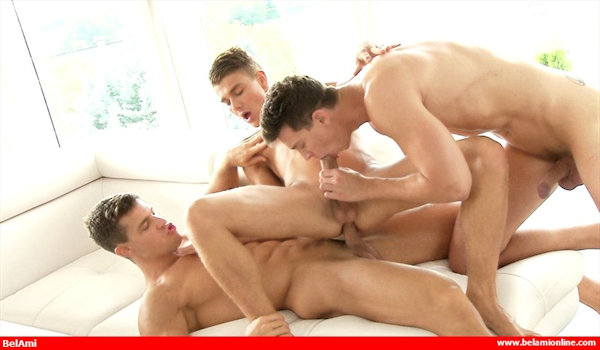 THREESOME_krisevans_johnnybloom_arnecoen_06