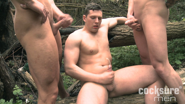OUTDOORS_PaulFresh_LukeWard_AronRos_07