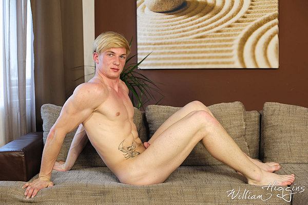 BLONDE_MiroMatejka_williamhiggins_07