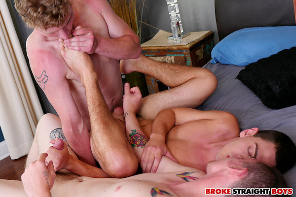 THREESOME_FEET_brokestraightboys_05