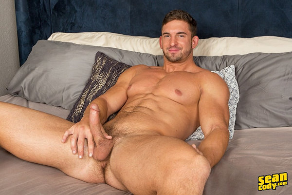 muscled_with_facialhair_joey_seancody_01