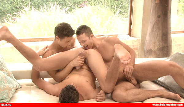 threesome_dylanmaguire_zacdehaan_03
