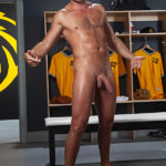 Wade Wolfgar as the TOP & BOTTOM in a THREESOME